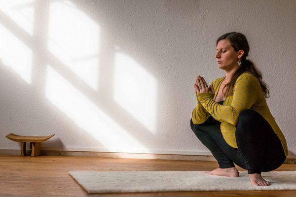 Yoga für Schwangere, Schwangerschaft, Geburtsvorbereitung, Sadhana Schopfheim